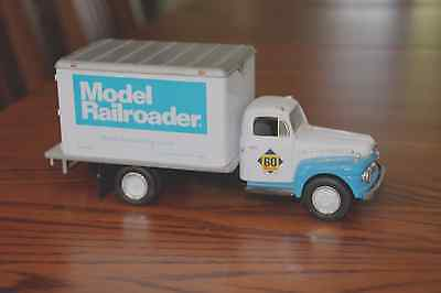 1951 FORD F-6 DRY GOODS VAN MODEL RAILROADER 60TH ANNIVERSARY FIRST GEAR 1ST