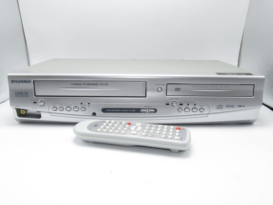 MINT! 2007 SYLVANIA DV220SL8  DVD/CD player + VHS VCR Combo w/  Remote