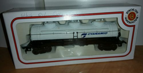 Rare Vintage HO Scale Model Train White Cyanamid Oil Car 6.25 inch Bachmann