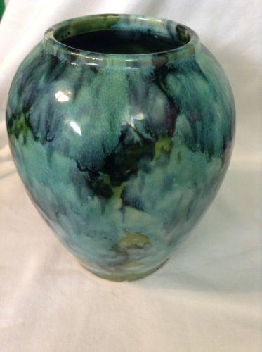 Depression Era Green Onyx McCoy Pottery Lava Flow Clay 6.5