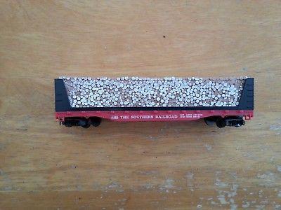 One vintage Tyco #334:300 southern railroad pulpwood car #4365 red box era
