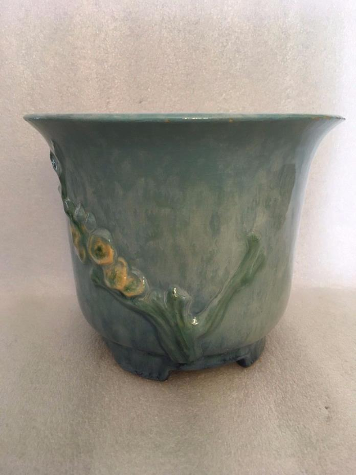 Roseville Wincraft Flower Pot