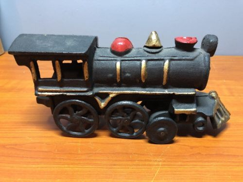 Vintage Cast Iron Train - Very Cute