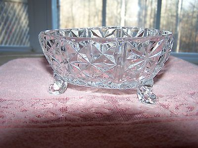 CRYSTAL FOOTED CANDY DISH 14.20 Ounces