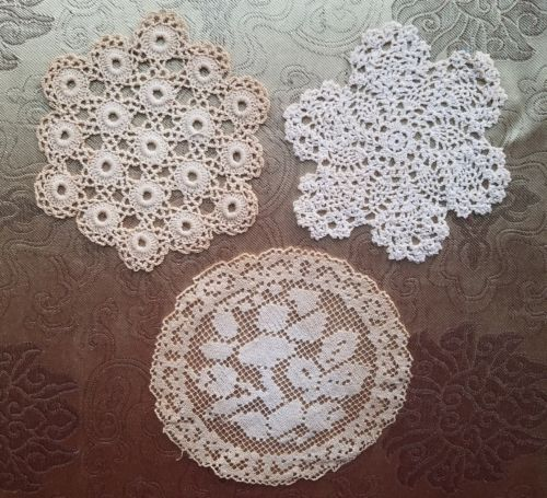 A41 Antique Crochet Doily Filet Lace Rose Small Home Decor Lot of 3 Dollhouse