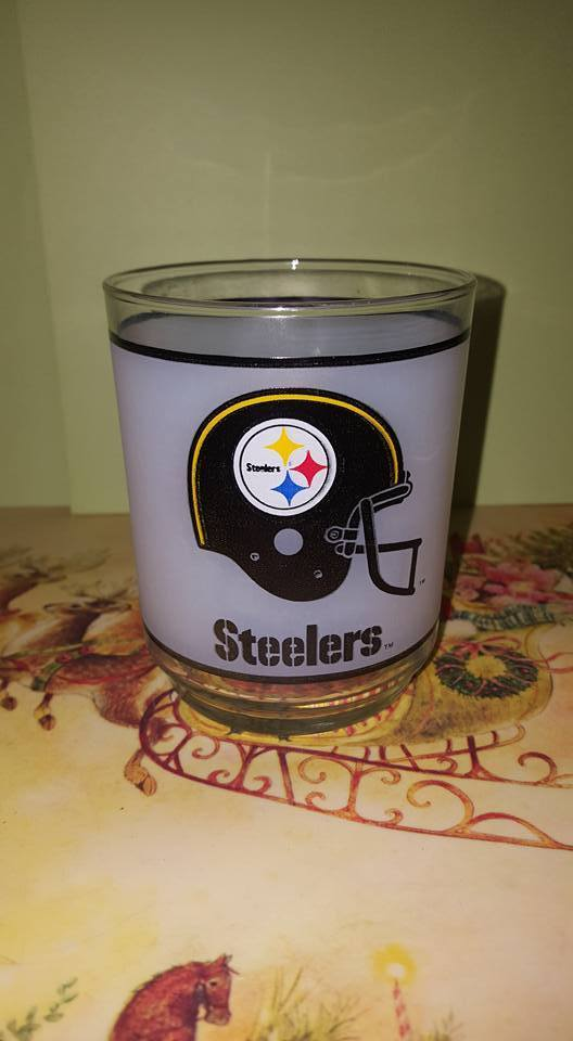 Vintage Mobile Oil NFL Pittsburgh Steeler 8 oz Rocks Glass; Libby; 1970