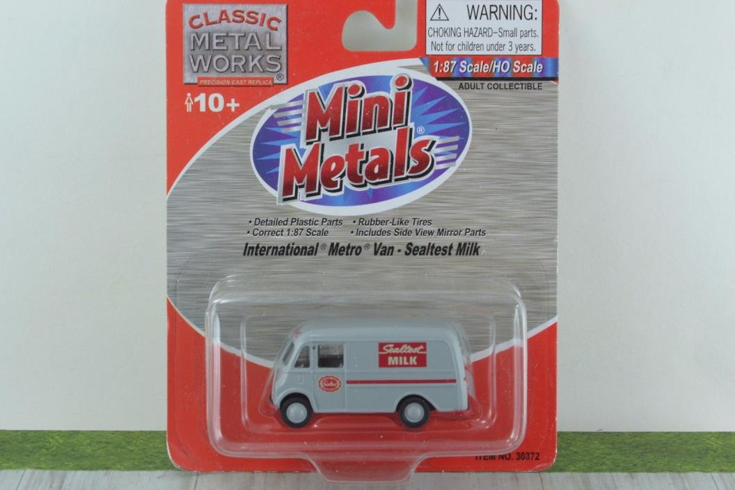 CMW Mini Metals 30372 International Metro Van Sealtest Milk  HO Scale 1:87
