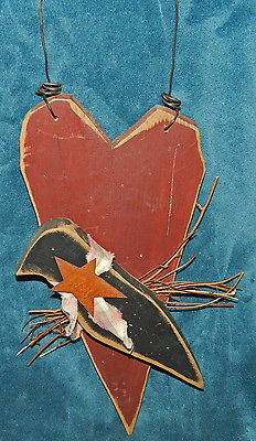 SUPER CUTE PRIMITIVE DISTRESSED WOOD HEART & CROW WALL HANGING!!