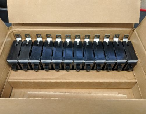 NEW BOX OF 12 CUTLER HAMMER EATON BAB1020 CIRCUIT BREAKER 1 Pole 20A 120/240v