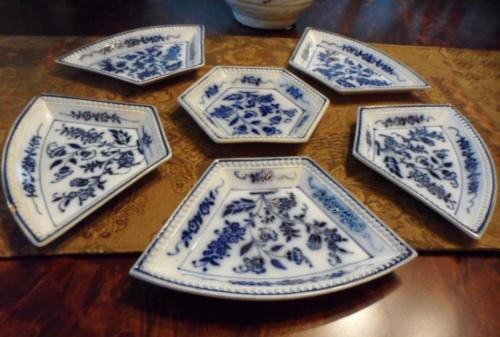 RARE Antique Flow Blue Floral GESCHUTZT DEPOSE 6 PC Sweet Meat  Set