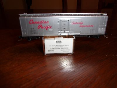 Micro-trains N-scale 69030 Canadian Pacific #286005 Reefer