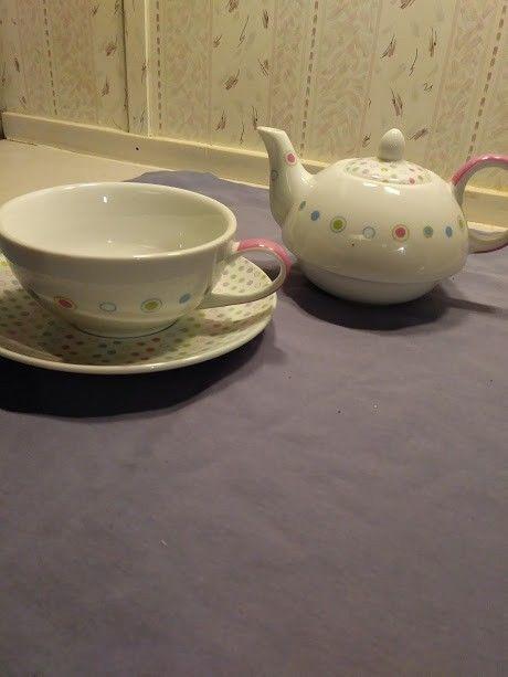 Vintage Polka Dot Stacking Tea Pot Set