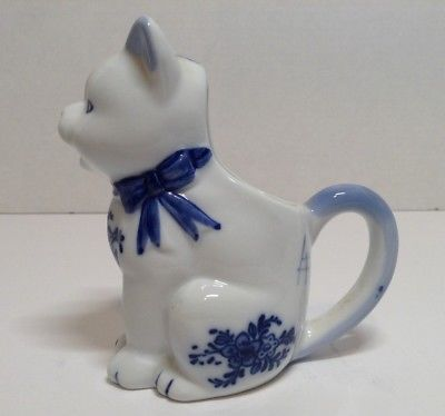 Vintage White and Blue Kitty Cat Milk Creamer Porcelain Ceramic 5