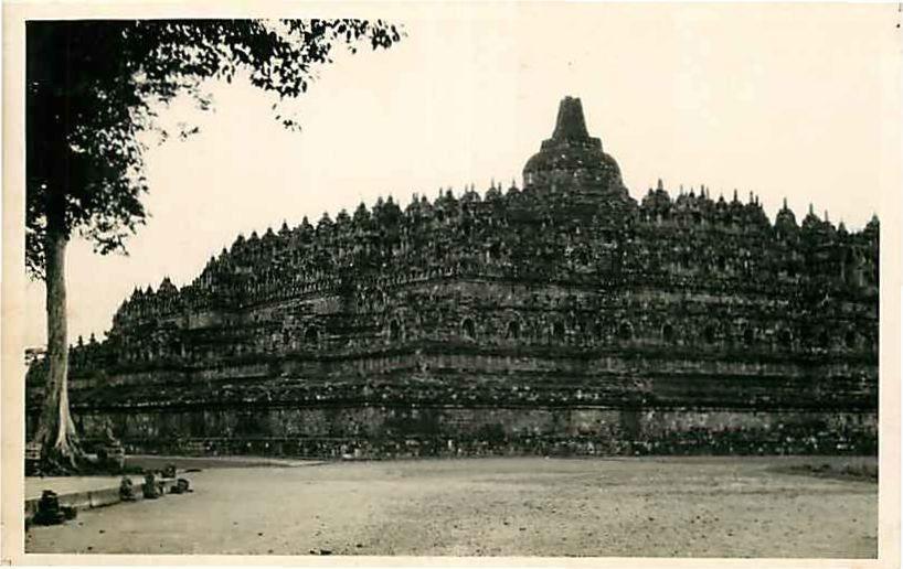 Real Photo Postcard Boeroeboedoer, Djokja, Indonesia