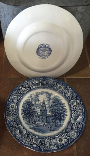 English Staffordshire LIBERTY BLUE  Colonial  Independence Hall 2 Dinner Plates