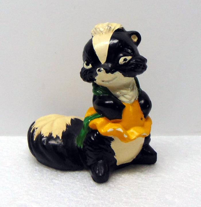Vintage Cute Skunk Figurine w/ Dress & Scarf, Chalkware, 4