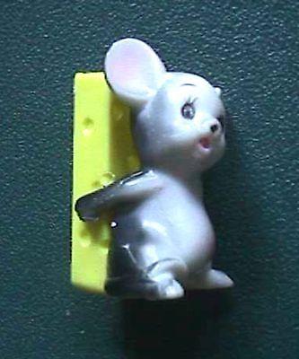 Vintage Miniature Plastic Mouse & CheeseToothpick Holder #1