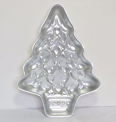 Vintage WILTON Cake Pan Treelightful Christmas Tree 502-1107 Same as 2105-425