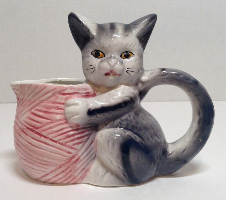 Vintage  Grey & White Tabby Kitty Cat & Yarn  Creamer 7