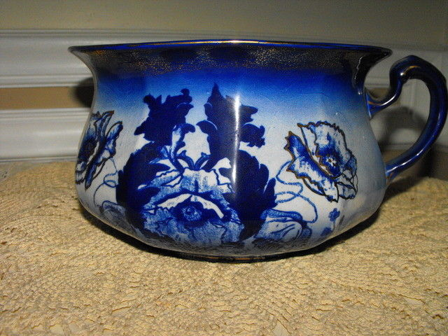 ANTIQUE STAFFORDSHIRE BLUE & WHITE WITH GOLD TRIM CHAMBER POT