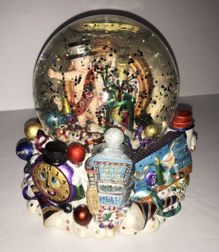 HAPPY NEW YEAR 2000 MILLENNIUM SNOW GLOBE MUSICAL AULD LANGE SYNE Battery