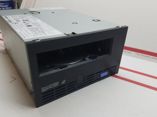 IBM LTO4 FC Dell Loader Tape Drive 95P4516 95P4781  lot 2