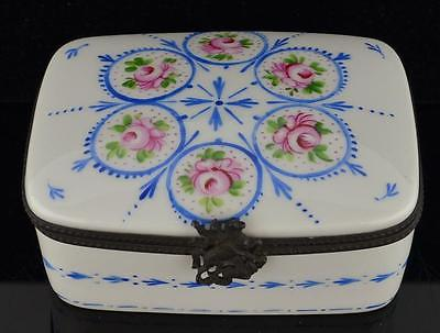1807 FRENCH HAND DECORATED TRINKET BOX-FOUTAINE AU ROY-FRENCH PORCELAIN