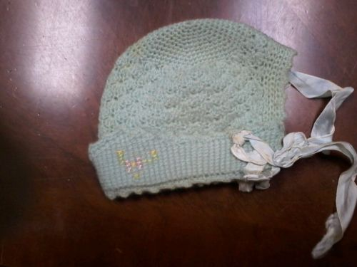 1930s Vintage  Heirloom Baby Doll Knitted Bonnet