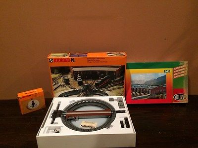 Arnold N Scale Turntable, Master Indexing Controller and  Six Stall Engine House