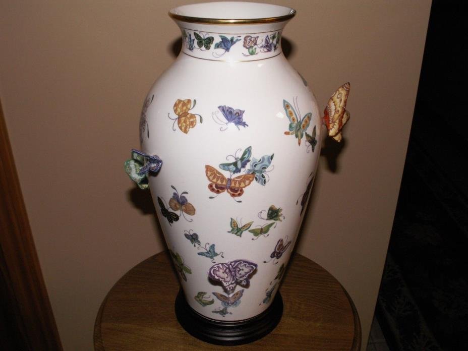 Vintage Vase of a Hundred Butterflies Chinese by Mei-lin Li, The Franklin Mint