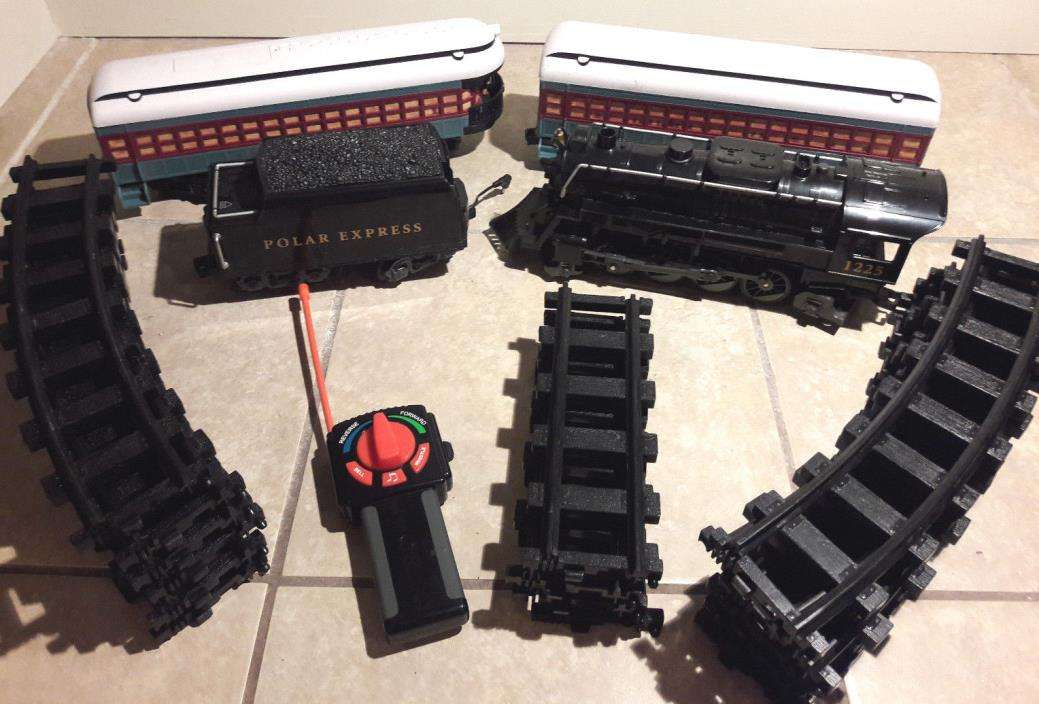 Lionel Train Set - Polar Express Train Railroad #1225 Working w/ Remote