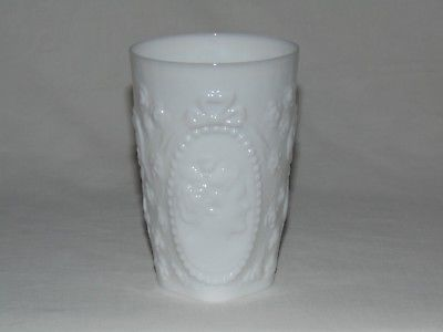 VINTAGE OLD MILK WHITE VICTORIAN CAMEO TALL GLASS TUMBLER