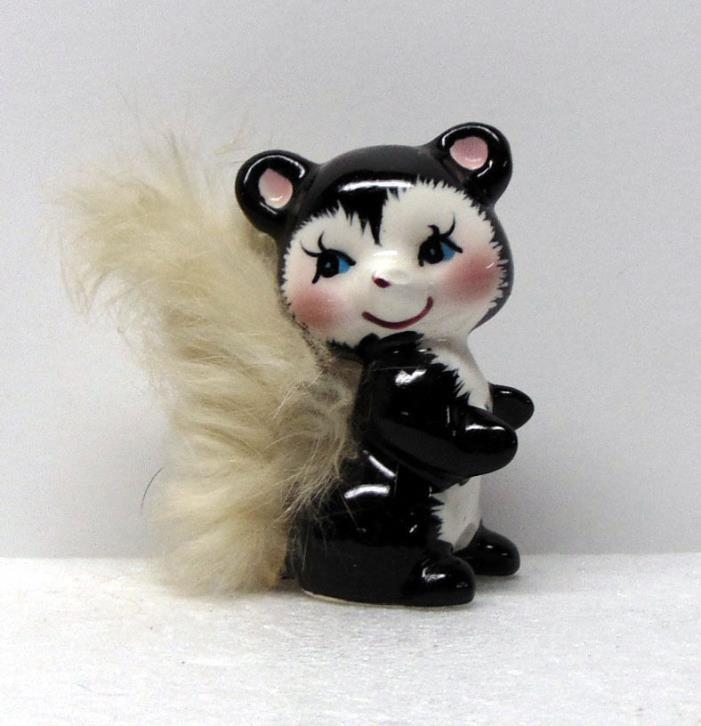 1971 Souvenir Skunk Figurine from Arizona, Real Fur on Tail, Ceramic, 2¾