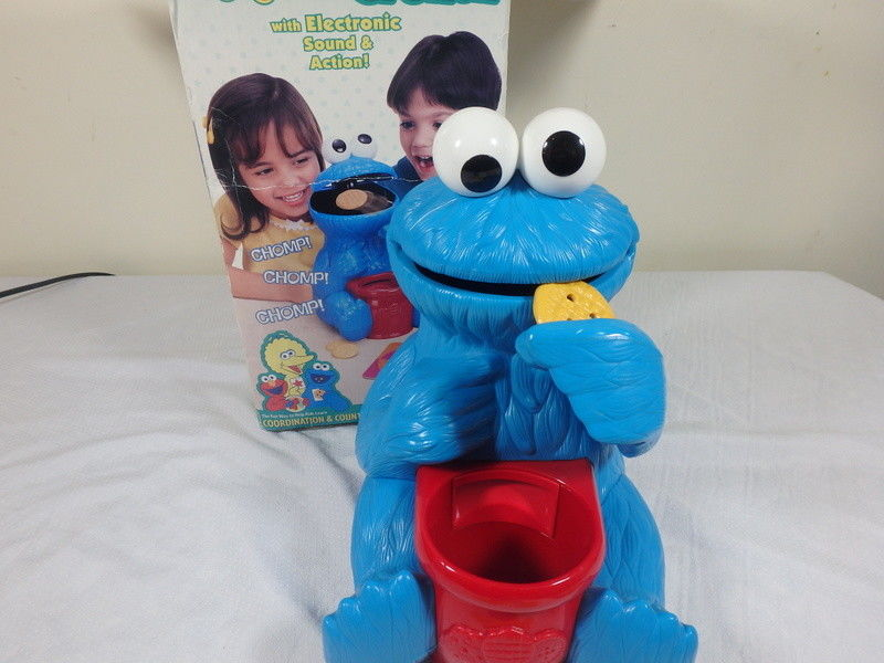 Fisher Price Cookie Monster Crunch With 13 Cookies Works Coordination Count Game