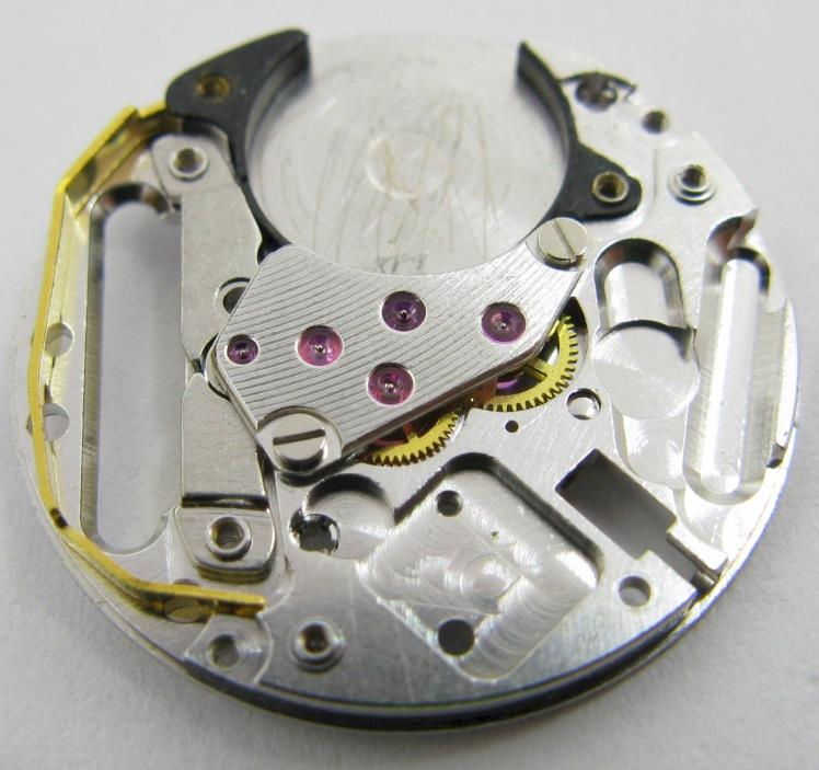 Cartier caliber 81 part: functional mainplate with its gears