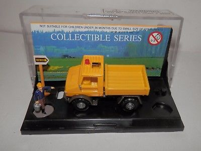Smart Toys HO Scale Unimog/Dump Truck Worker and Sign #20537 NIB