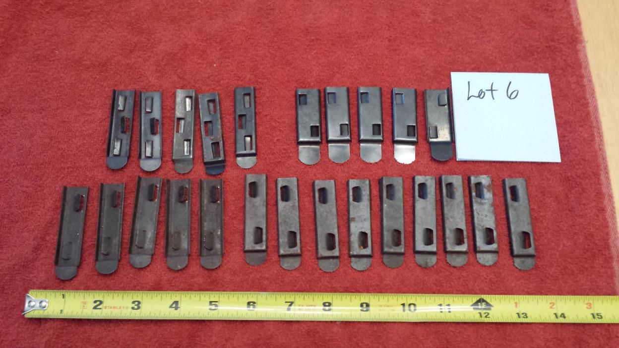 Lionel Train Items - 24 Varied Metal Track Clips - LOT 6