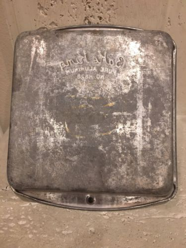 VINTAGE BAKE KING ALUMINUM CAKE PAN 7X7  No. H828 Good Condition