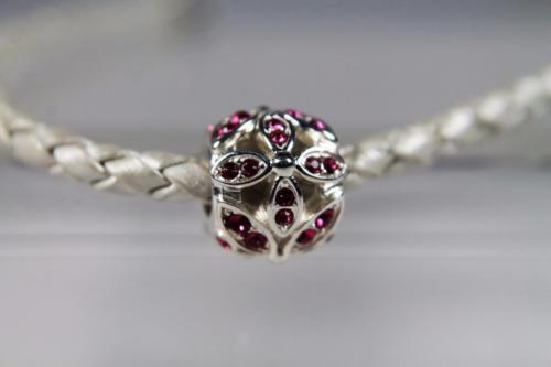 Authentic Chamilia 'Floral Accents' Fuchsia Swarovski  #2025-1817 NEW!