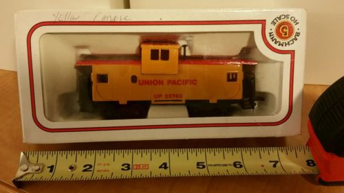 Rare Vintage HO Scale Model Train Yellow Union Pacific Car 5 inch Bachmann