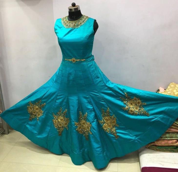 A Very Beautiful Bollywppd Designer Western Wear Fashionable Designer Gown SUT