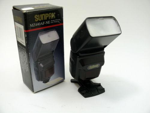 Sunpak MZ440AF-NE auto focus flash for Nikon. See photo for Specs.