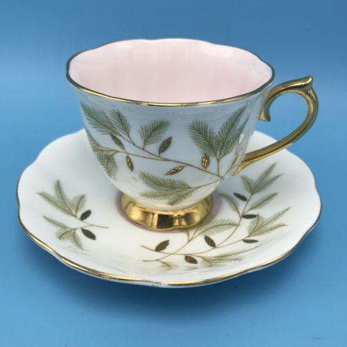 ROYAL ALBERT BRAEMAR Teacup & Saucer White Pink Gold Green Pine