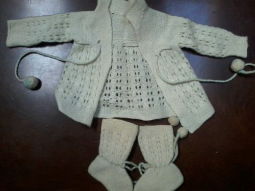 1930s Vintage Cream Woollen Baby or Doll Sweater With Booties