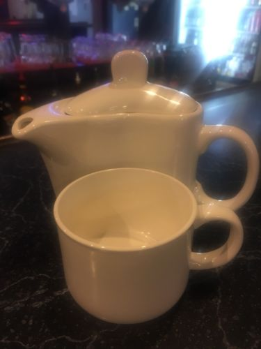 Unique Curved Teapot With Cup White