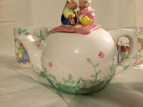 Vintage Bunny Rabbit Ceramic Teapot Easter Collectible Tea Pot & 2 Mugs Set