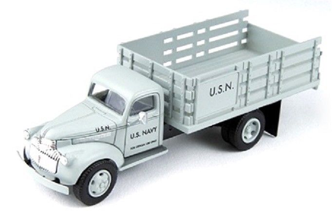 CLASSIC METAL WORKS (HO) 30466 '41/46 CHEVY STAKE BED TRUCK - US NAVY -  NEW