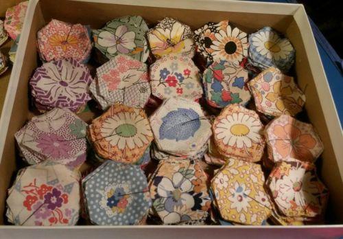 HUGE Vtg FEEDSACK Grandma's Flower Garden Quilt blocks Fabric 68 Lot 1930's Lot