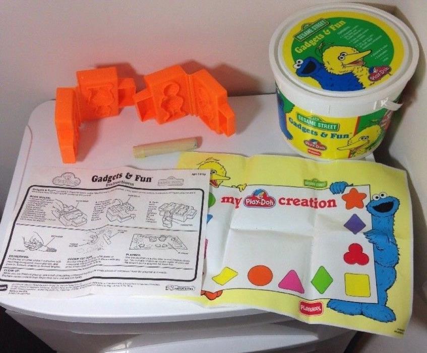 Sesame Street Play-Doh Molds Big Bird Cookie Monster VTG 90s Bucket USA Made Toy