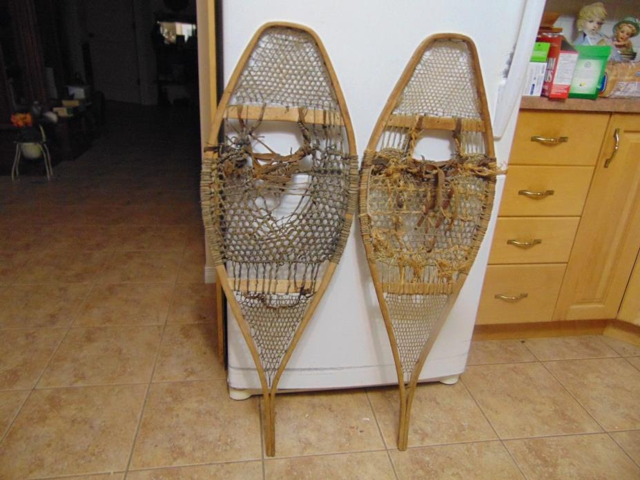 vintage,  snowshoes/    as is  chalet decor   14 x 42  # 2218